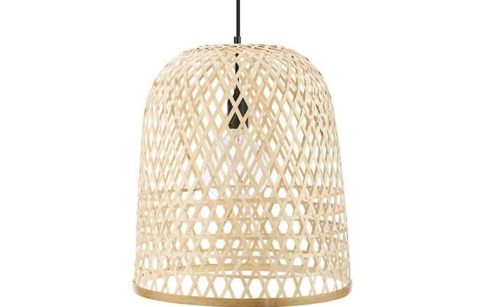 <strong>NATURMATERIAL:</strong> Lamper i bambus er med på å gi en varm og lun følelse.