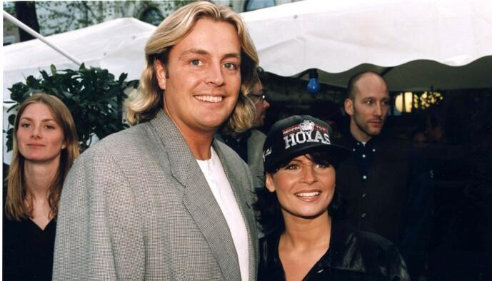 <strong>DEN GANG DA:</strong> Runar Søgaard ble for alvor kjent for ekteskapet med Carola Häggkvist (54) på 1990-tallet. Her er de sammen i 1997. Foto: NTB Scanpix