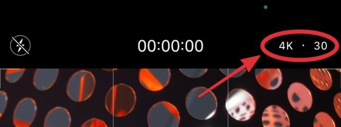 <strong>TRYKK FOR Å BYTTE:</strong> Ønsker du å endre videooppløsning når du filmer med iPhone, kan du gjøre det rett i Kamera-appen. Skjermbilde: Kirsti Østvang