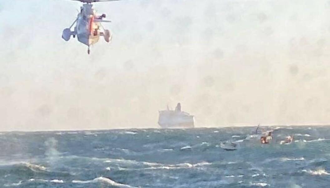 <strong>MYE VIND:</strong> Cruiseskipet «Crown Princess» fra DFDS Seaways forsøkte å gi le for vinden, men begynte selv å drive, og kunne ikke gå nærme nok. Foto: RS «Eivind Eckbo»