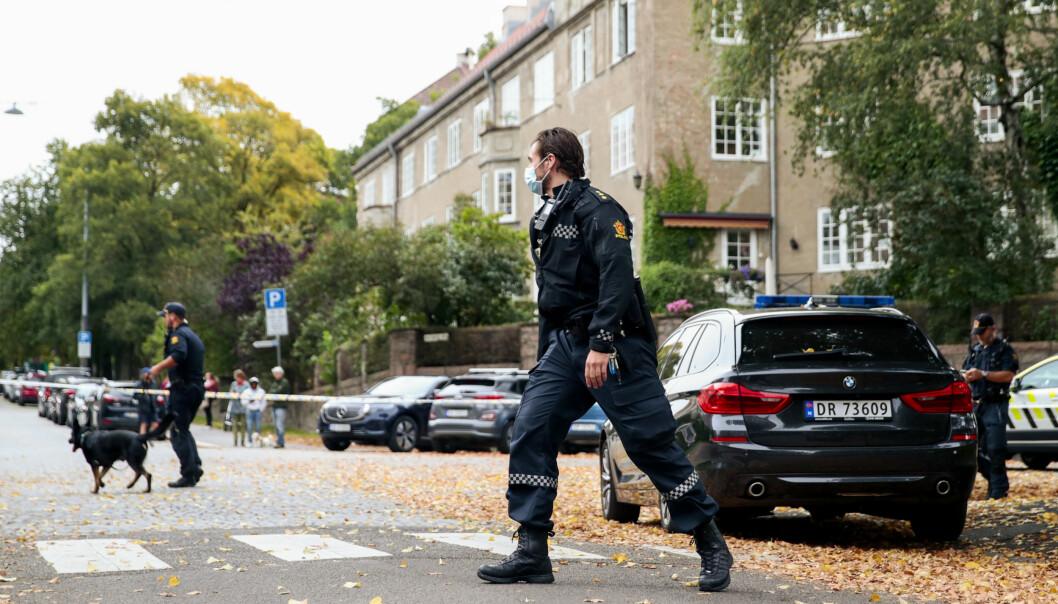 <strong>MAJORSTUA:</strong> Politiet leter etter gjerningspersoner, etter at en person ble knivstukket på Majorstua. Foto: Jil Yngland / NTB