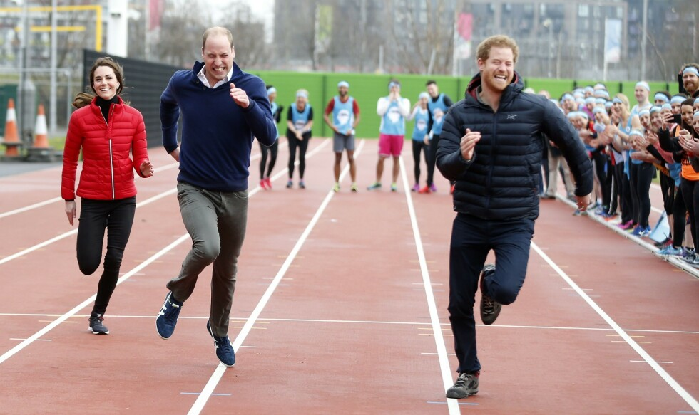 <strong>BURSDAGSHILSEN:</strong> Hertuginne Kate og prins William delte dette bildet da prins Harry fylte år tirsdag. Det er ikke alle like fornøyde med. Foto: NTB scanpix