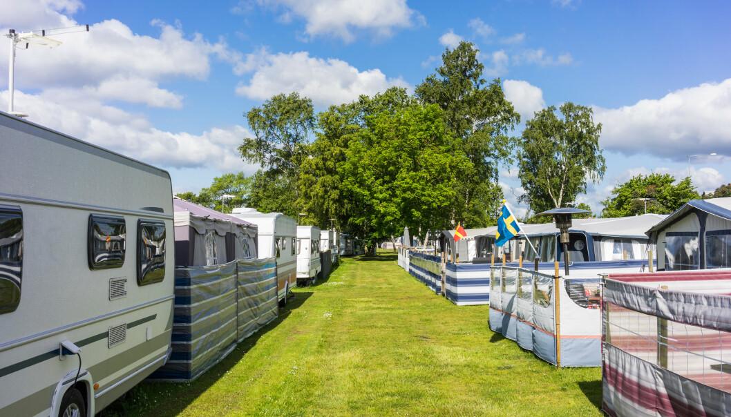 <strong>FÅR UNNTAK:</strong> Nå får også camping- og båteiere fritak fra karanteneplikten dersom de reiser til røde områder i Sverige eller Finland for å etterse eller vedlikeholde eiendom. Foto: Shutterstock/NTB scanpix