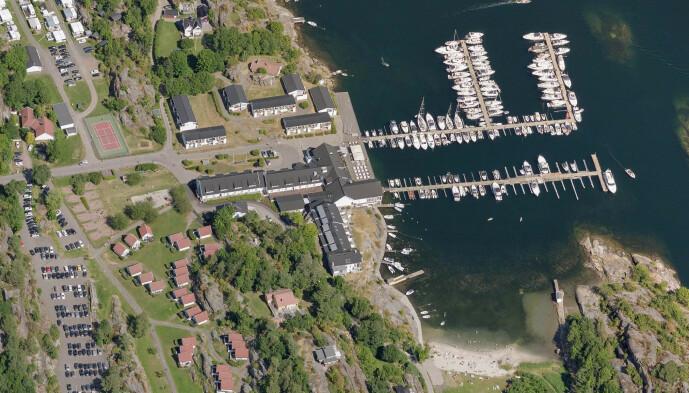 <strong>PRAKTTOMT:</strong> Like ved Scandic Havna Tjøme eier Alf Reidar Fjeld og bror en tomt med strandlinje på over 50 meter. Foto: 1881.no / Norkart AS / Geovekst og kommunene / OpenStreetMap / NASA / Meti
