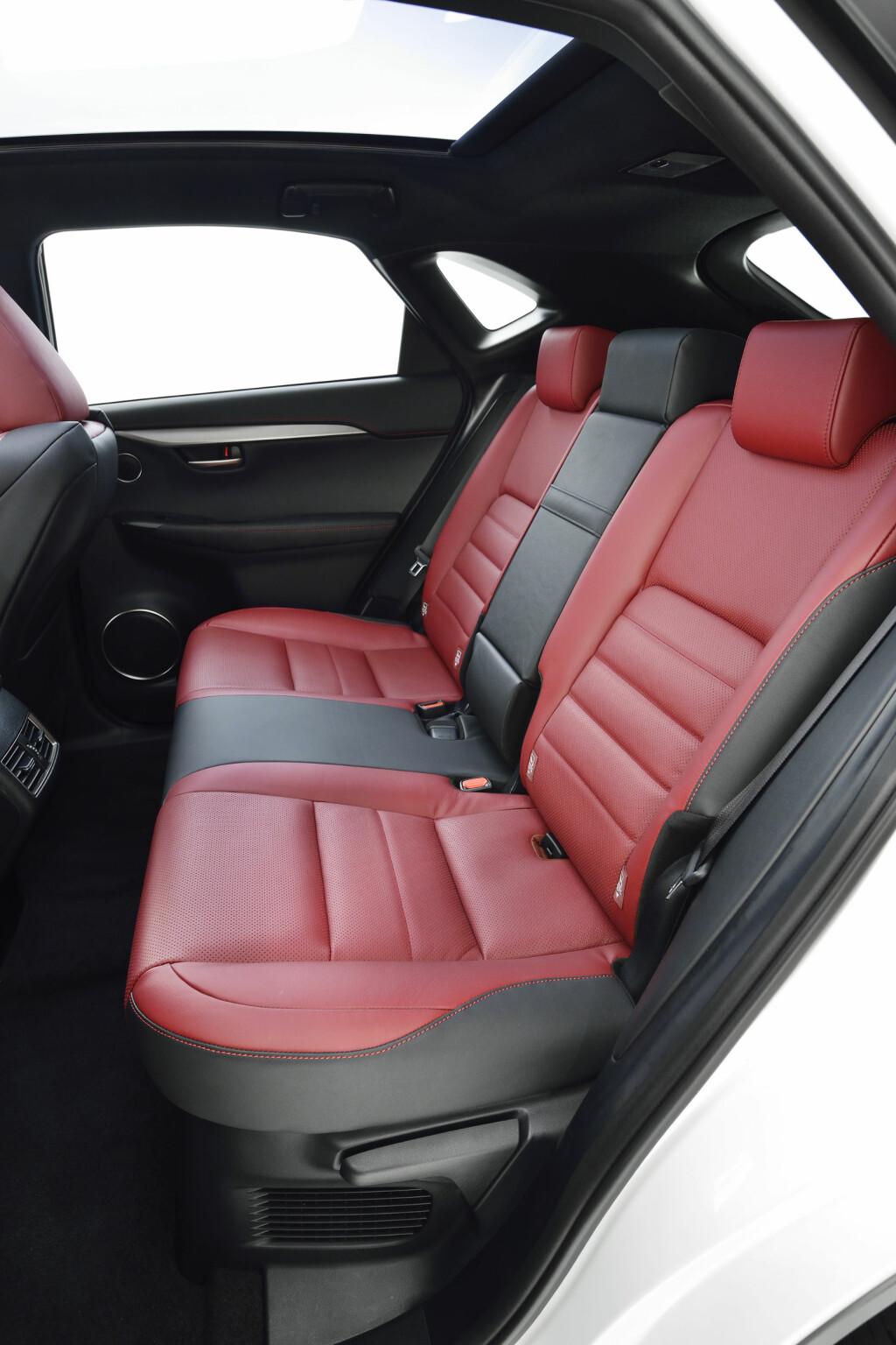 test lexus nx 300h dinside. Black Bedroom Furniture Sets. Home Design Ideas