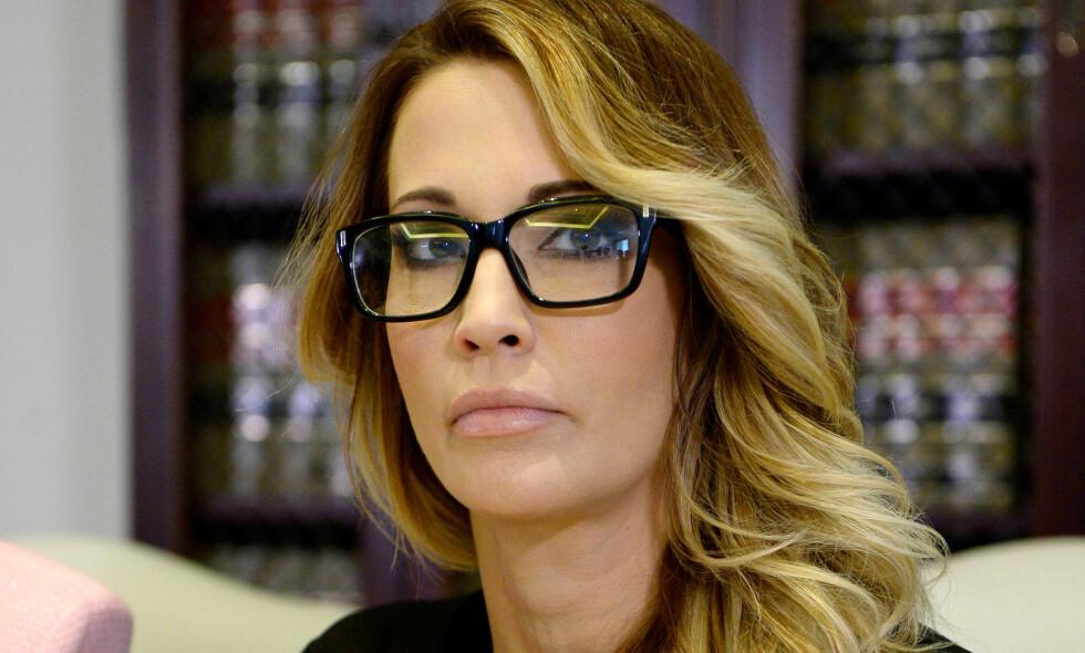 Ny Kvinne St 229 R Fram Pornostjerne Hevder Trump Tilb 248 D 10