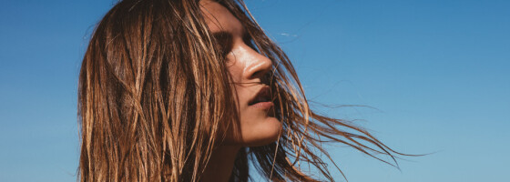 Image: 5 grunner til at håret ditt er fett