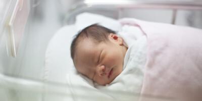 Image: - Vent så lenge som mulig med å bade babyen