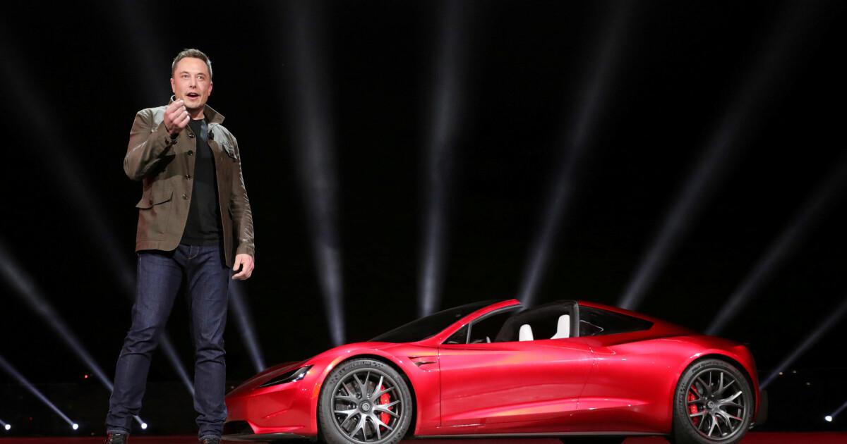 Først sa Elon Musk at offentlig transport «gjør vondt». Eksperten som sa han imot fikk kjapt svar: - Idiot