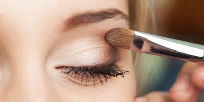 Image: Plages du med tunge øyelokk? Da er dette sminketrikset for deg