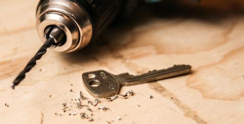 Image: Det er lurt å bore et ekstra hull i nøkkelen