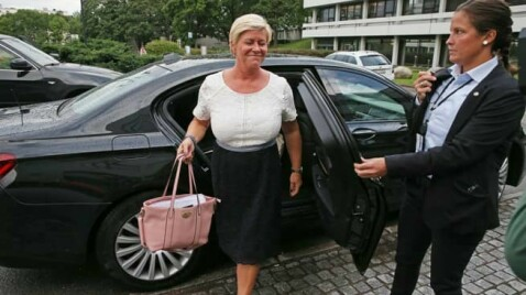 Full splid i regjeringen: Venstre stiller nye krav - Frp nekter å forhandle mer