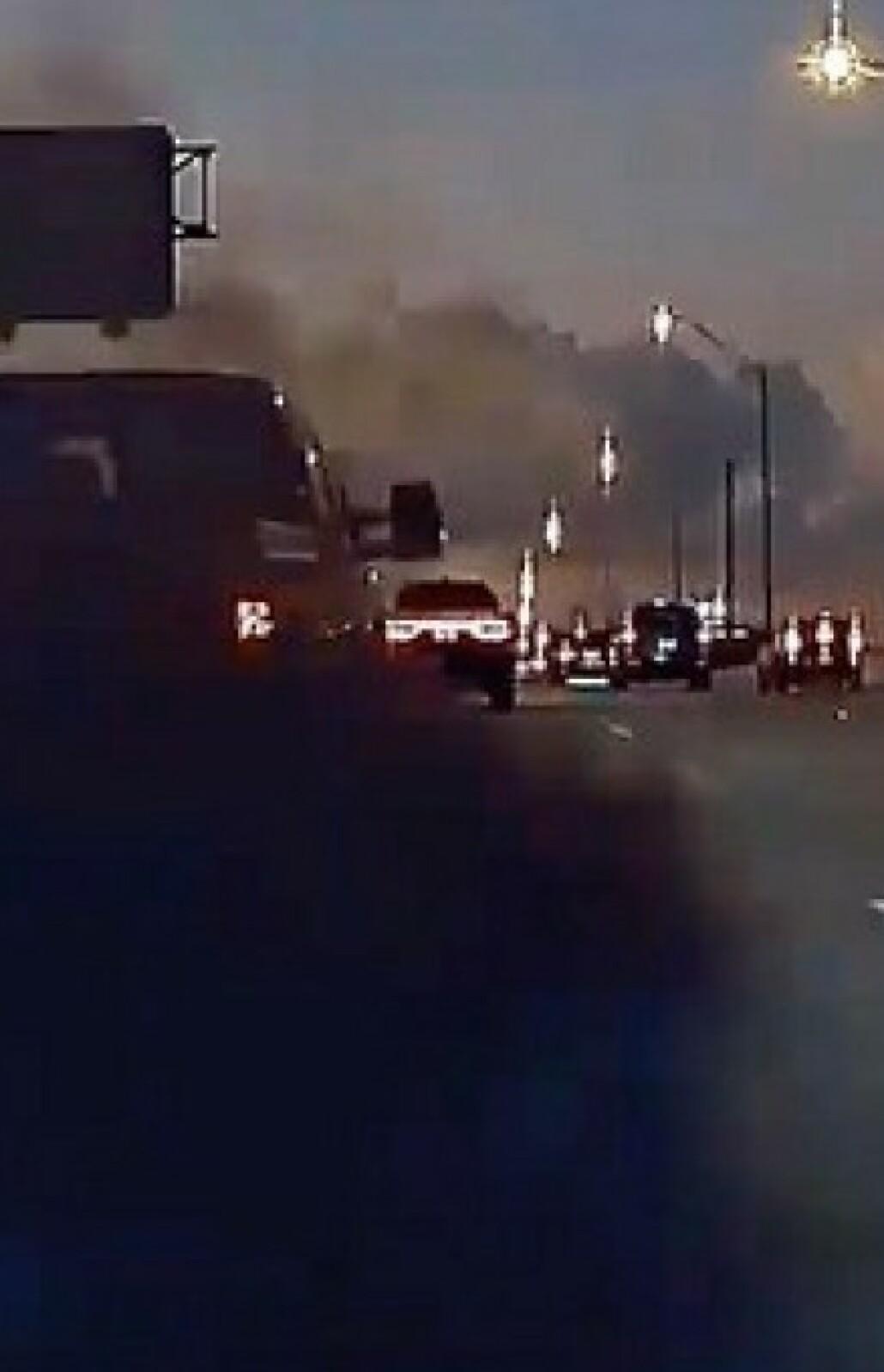Satte eget og andres liv i fare for å spy ned Tesla i svart diesel-røyk