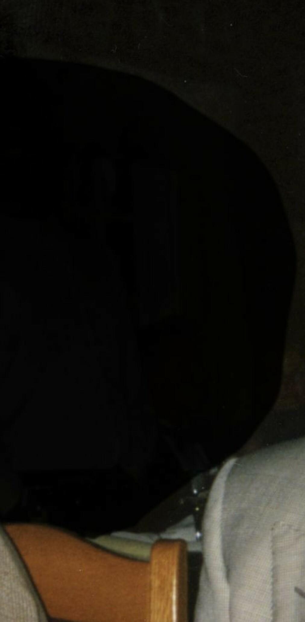 Tom Hagen sender e-poster til politiet: Prøver å finne svar