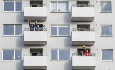 Image: «Endelig har naboene begynt å hilse på meg, etter 23 år i samme nabolag! Jeg håper ikke de slutter med det etter dette»