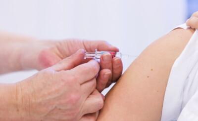 Image: Anbefaler vaksine, men det er ikke nok til alle