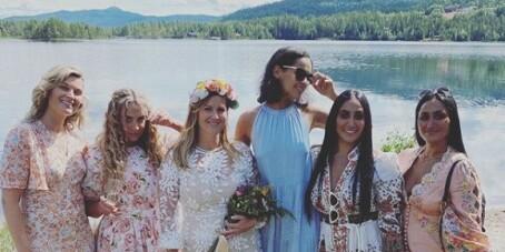 Image: Deler bilder fra bryllupsfesten