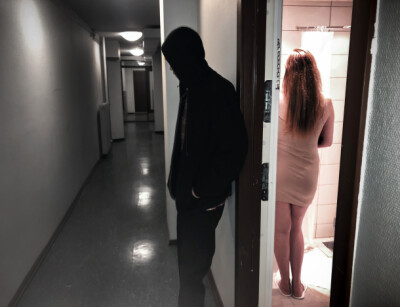 Image: Han vokter prostituerte «Maja»