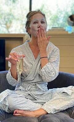Image: Se stjernenes private Emmy-bilder
