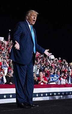 Image: - Folk er gale etter Trump