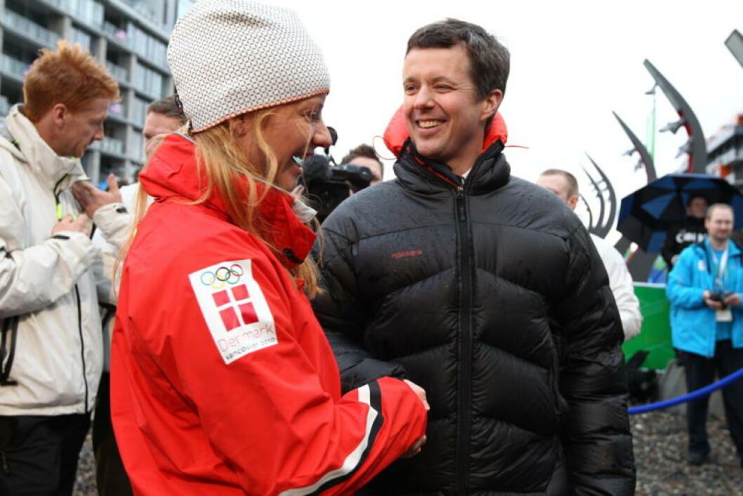 SLO AV EN PRAT: Kronprins Fredrik. Foto: STELLA PICTURES