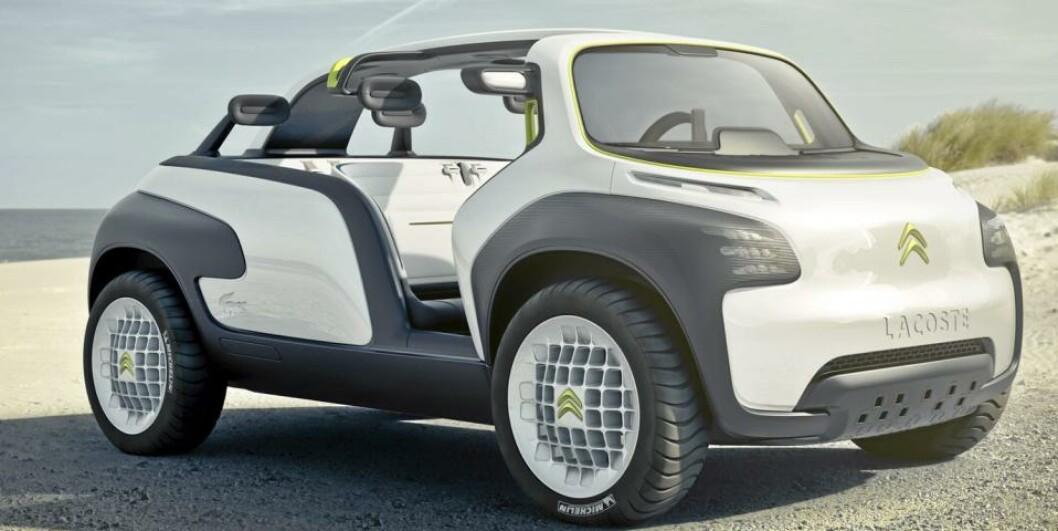 Litt buggy over Citroën Lacoste. Neppe tilfeldig at den er fotografert på en strand. De golf-inspirerte forhjulene er større enn bakhjulene. Foto: Citroën