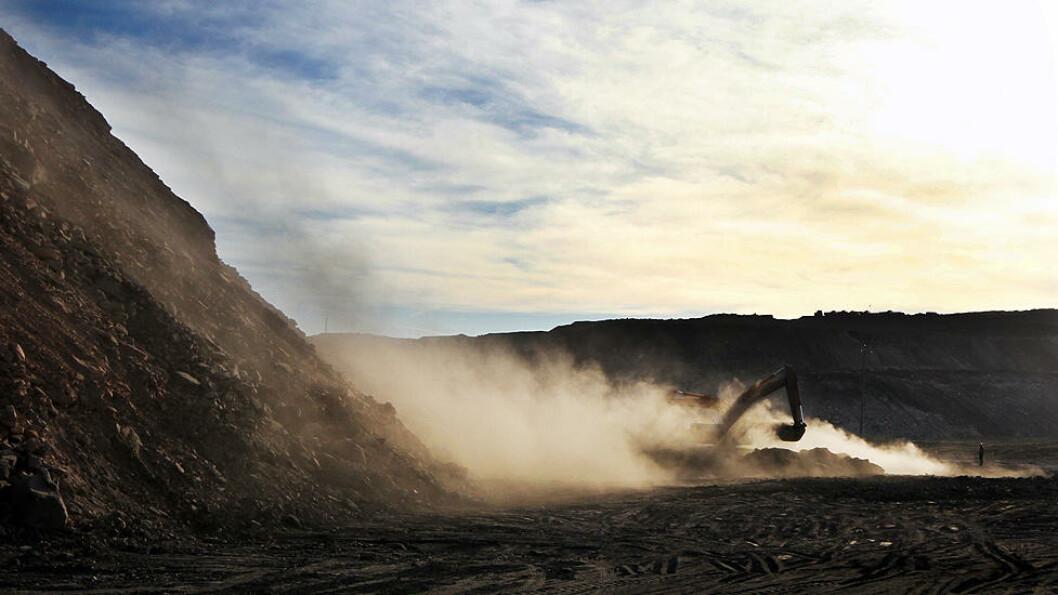 MILJØKATASTROFE: Under overflaten på et område som er nesten 280 000 kvadratmeter stort har kullgruvebrannen i Indre Mongolia pågått siden begynnelsen av 60-tallet. Foto: Kristoffer Egeberg