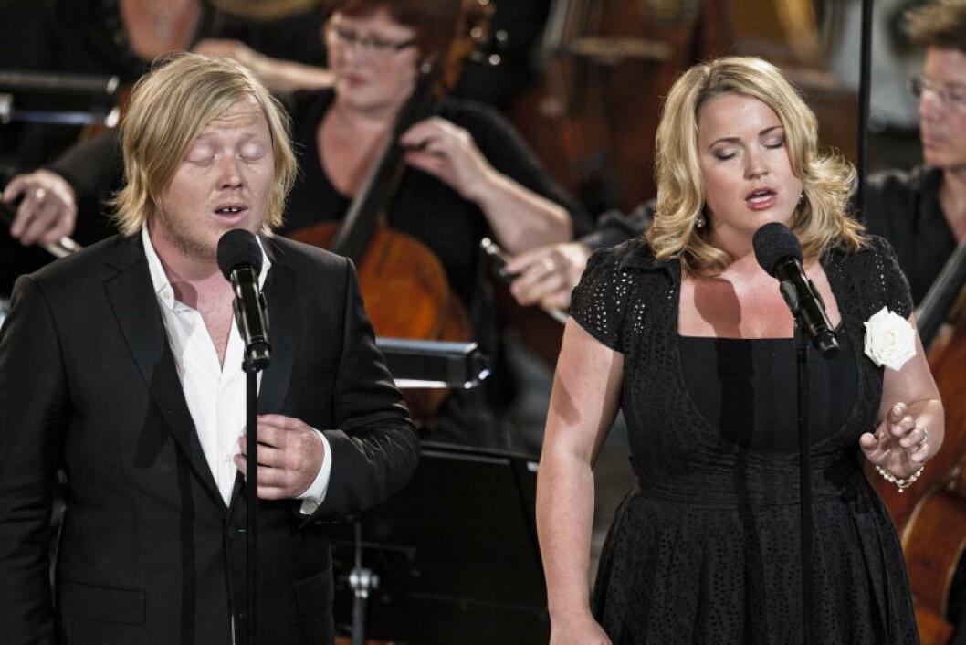 <strong>SANG:</strong> Kurt Nilsen og Helene Bøksle. Foto: Aleksander Andersen / Scanpix