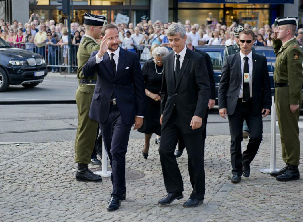 <strong>PÅ MINNEMARKERING:</strong> Kronprins Haakon var tilstede i Oslo domkirke i dag. Han var også tilstede under mandagens roseseremonie, der han talte. Foto: Øistein Norum Monsen / Dagbladet