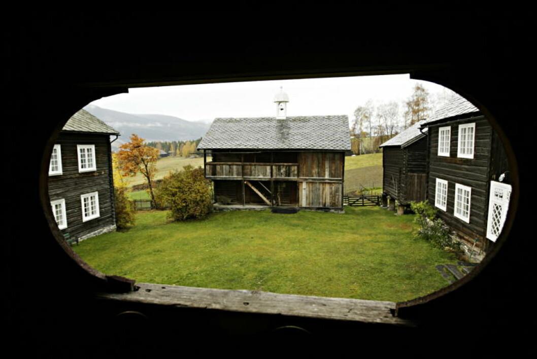 <strong>GAMMELT:</strong> Bygningene er (fra venstre) fra  1800-tallet, middelalder og 1720/1780.  Foto: Torbjørn Grønning/Dagbladet