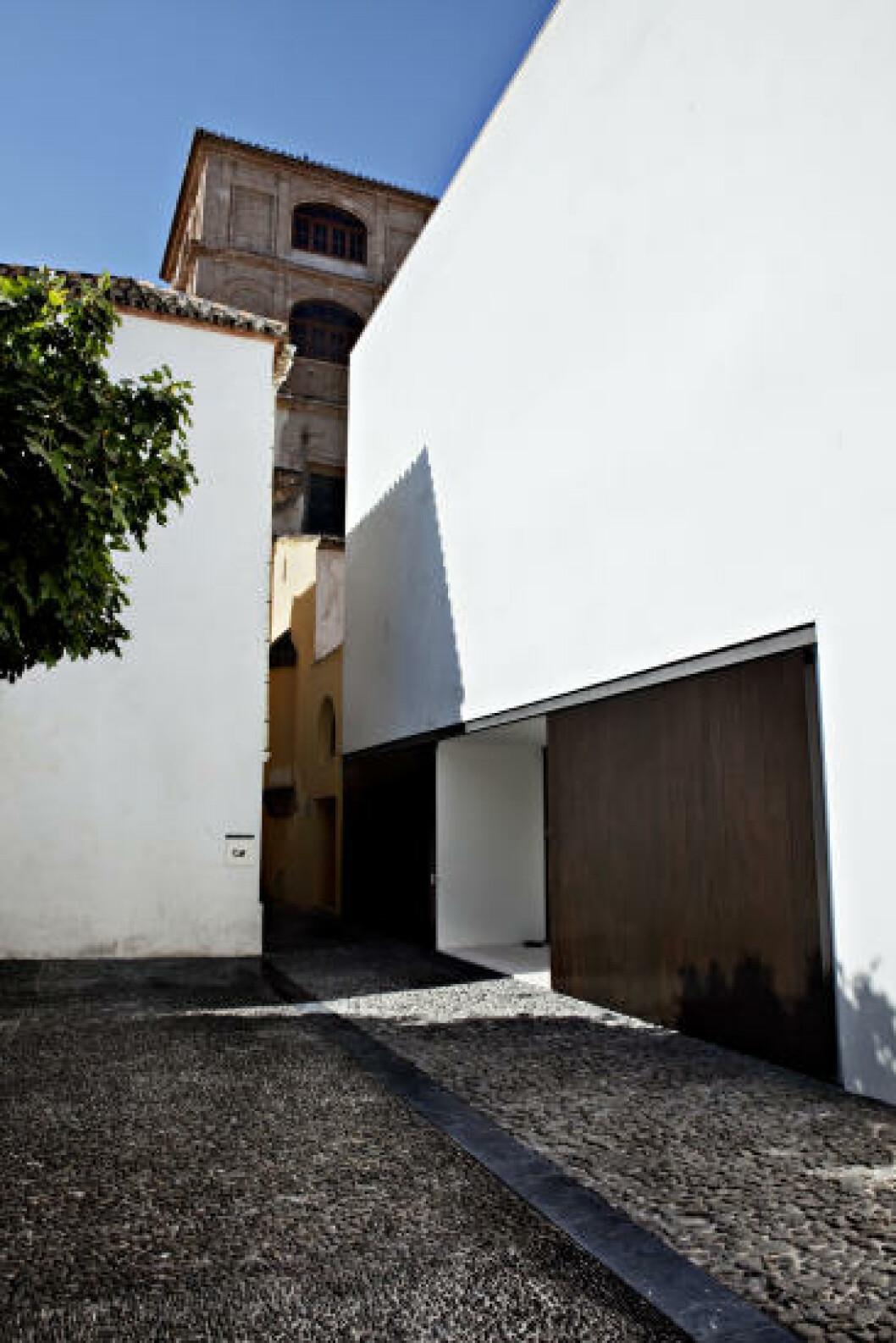 MÅLBEVISST: Kommunen har kjøpt opp ett og ett hus i gamlebyen, lagt til litt nytt, og skapt Picasso-museet. Foto: NINA HANSEN