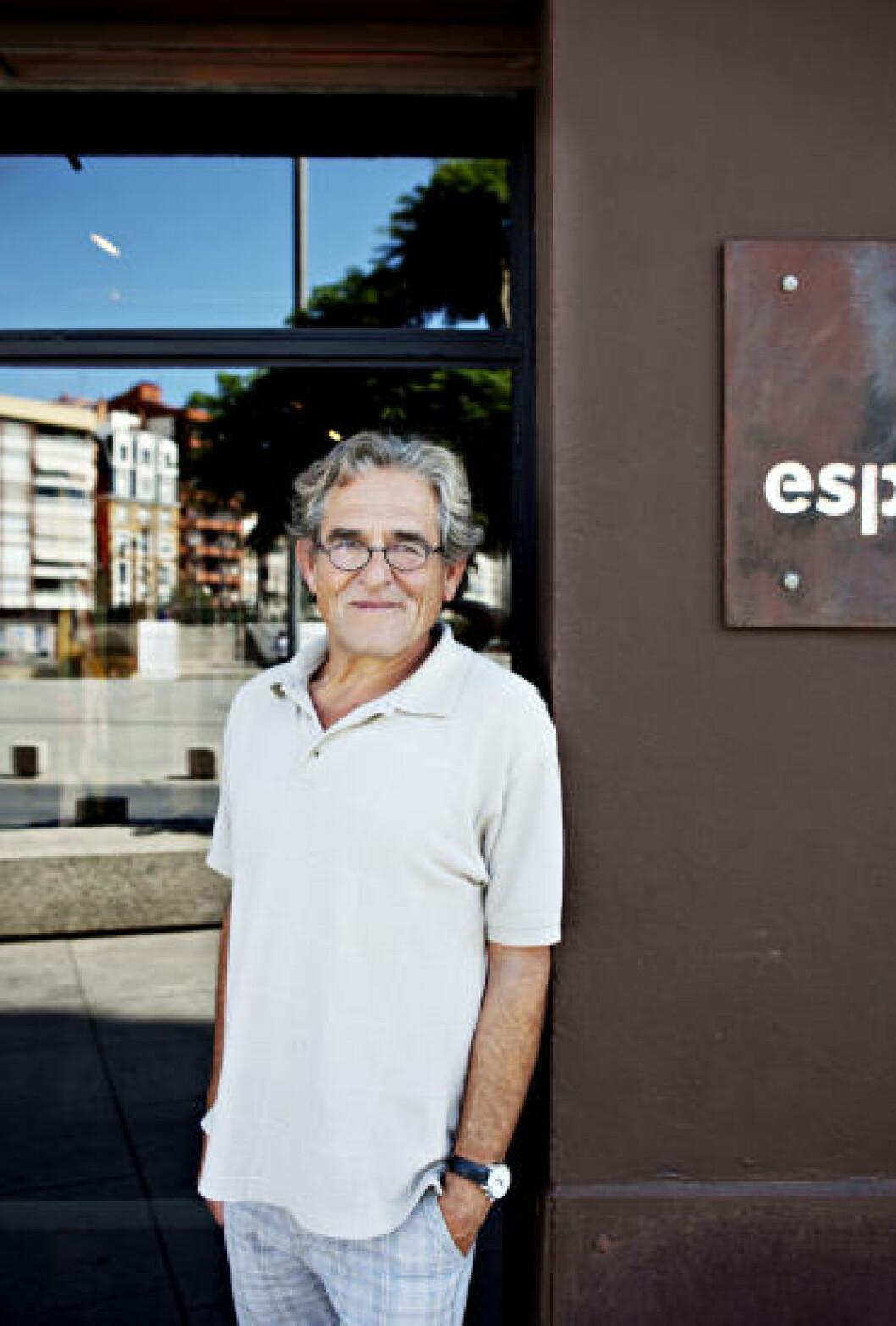 APPLAUDERER: Kunstner og gallerist Ramon Paredes berømmer satsingen på kunst og kultur. Foto: NINA HANSEN