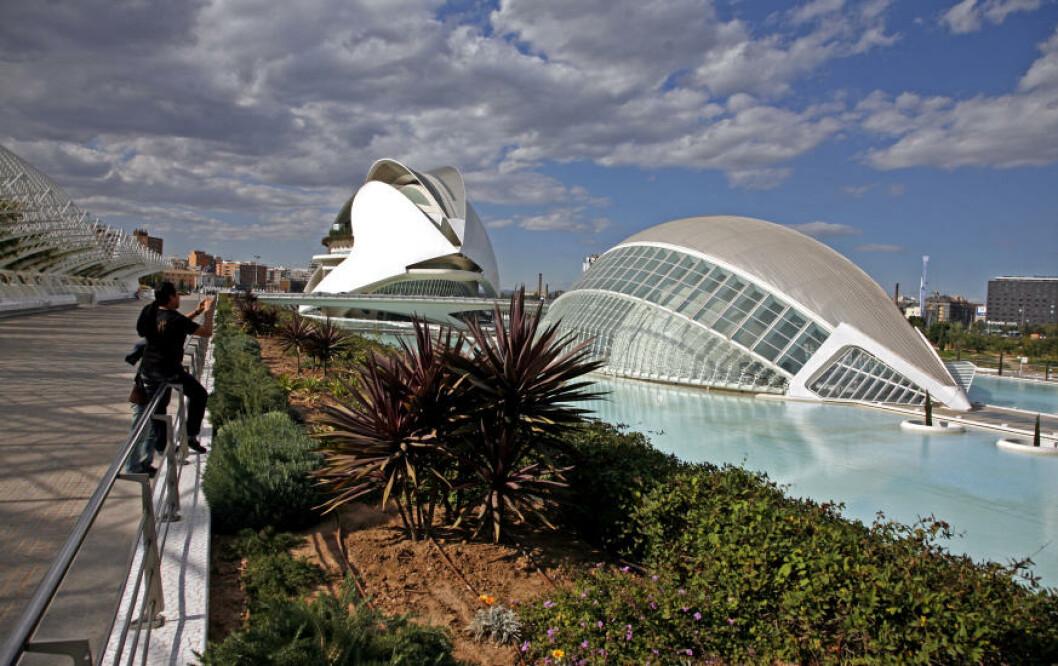 OPERA: Operahuset i Valencia ruver i landskapet. Foto: EIVIND PEDERSEN
