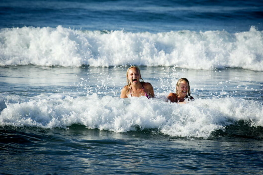 <strong>HELLAS:</strong>  Flest nordmenn drar til dette landet i sommer. Her fra Rethymnonstranda på Kreta. Foto: JOHN TERJE PEDERSEN