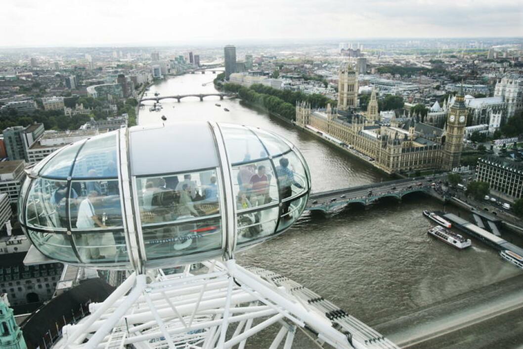 <strong>LONDON:</strong>  Milleniumhjulet The London Eye står ved bredden av Themsen. Foto: GEIR BØLSTAD
