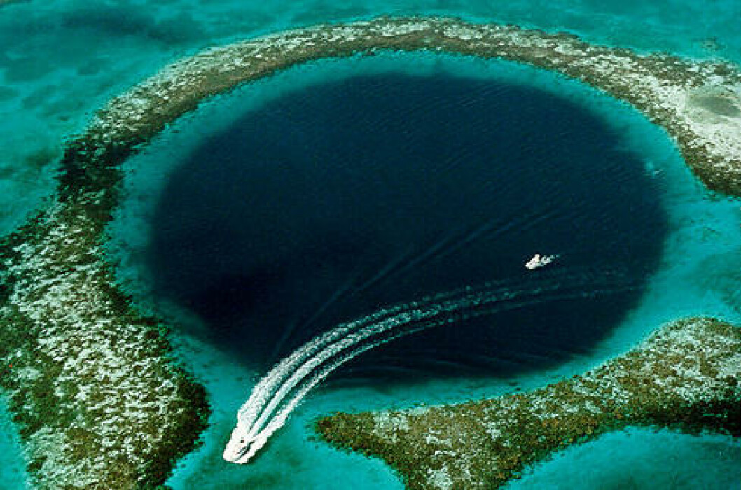 <strong>BELIZE:</strong> The Great Blue Hole er et undervanns synkehull og et populært dykkested ved Belize-kysten.  Foto: WIKIPEDIA COMMONS