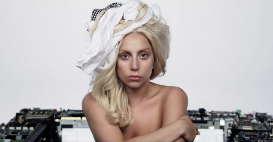 <strong>BLOD, STRIPPING OG TÅRER:</strong> Lady Gagas nye video inneholder det meste, men sjokkerer neppe like mye som den fargerike artisten hadde ønsket. Foto: Stella Pictures