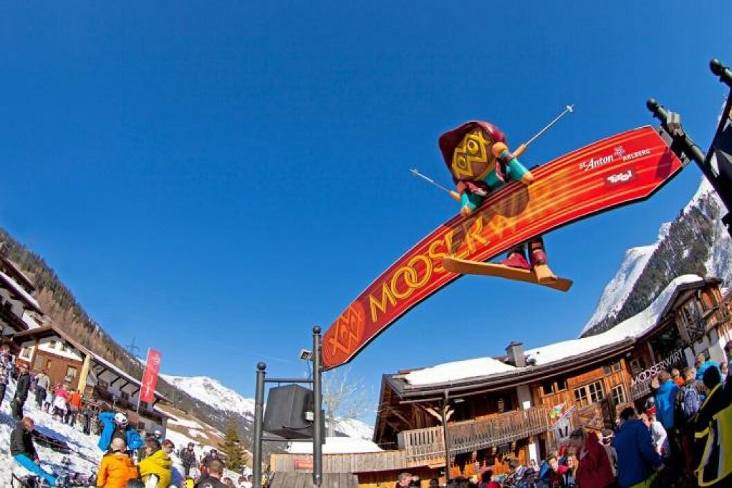 ØSTERRIKE:  Mooserwirt i St. Anton er kåret til alle skifesters mor av Playboy. Her varer festen fra morgen til langt på natt, for dem som ikke er så opptatt av bakkene.  MOOSERWIRT.