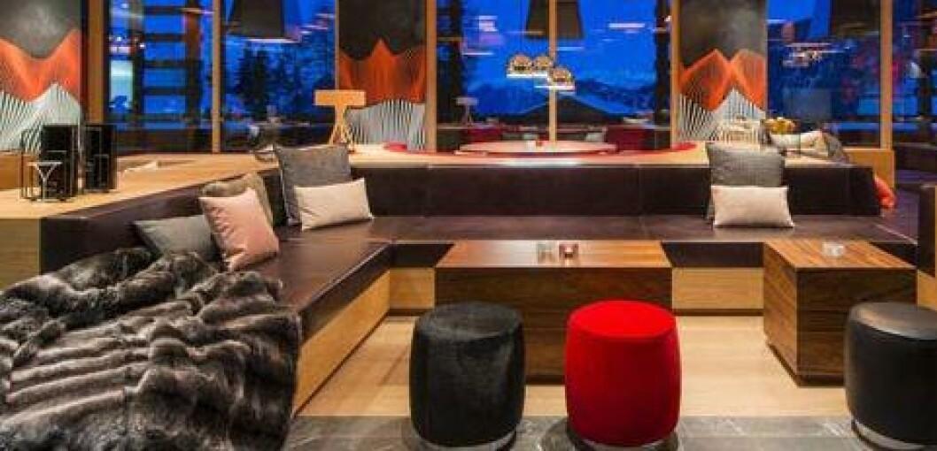 SVEITS: Det nye femstjerners hotellet W Verbier i Verbier er blitt et stoppested for festglade alpinturister på jakt etter après ski i eksklusive omgivelser. Foto: W VERBIER