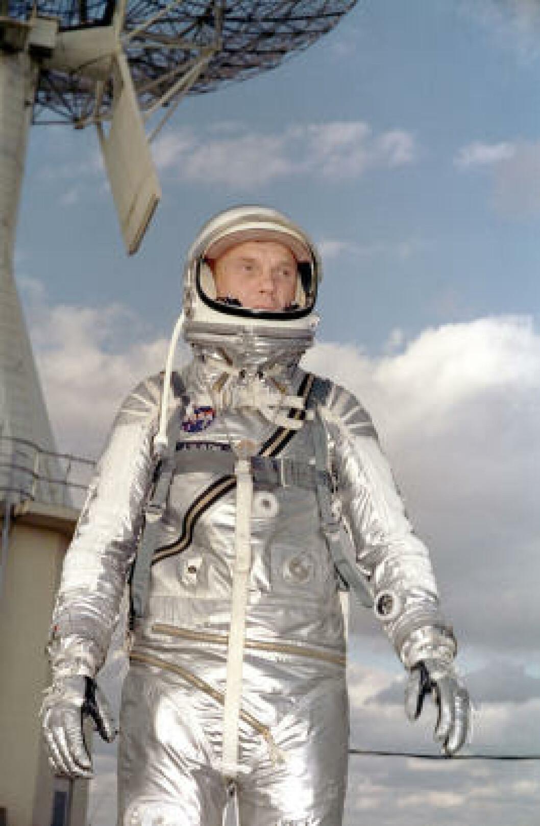 <strong>MERCURY-DRAKT:</strong> Astronaut John Glenn avbildet i 1962. Foto: NASA