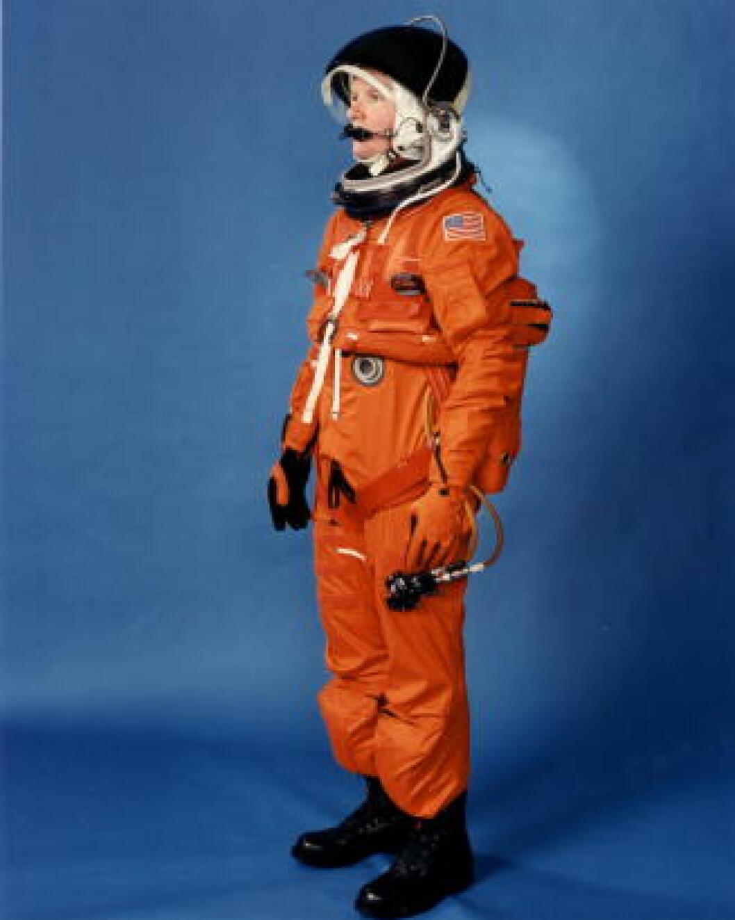 <strong>ORANSJ:</strong> Drakta blir kalt «pumpkin suit». Foto: NASA