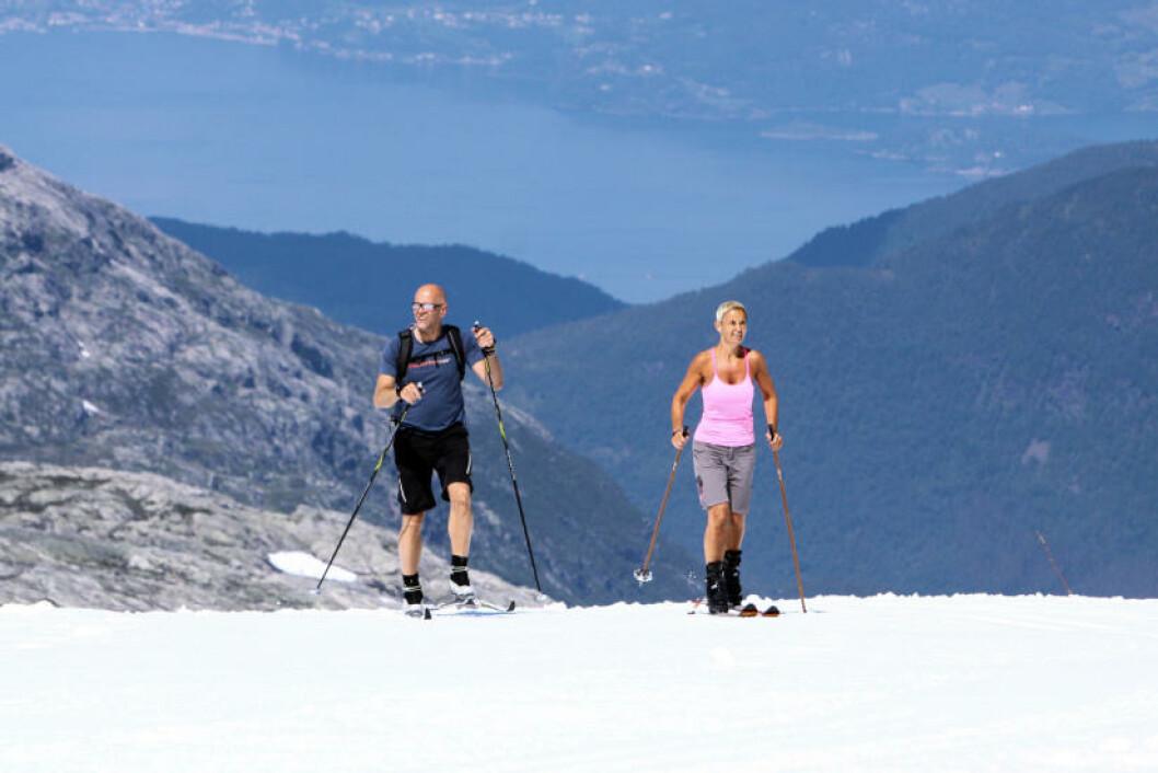 <strong>FOLGEFONNA:</strong> Spenn på deg skiene og gli avsted på Norges tredje største isbre; Folgefonna. Foto: IVAN DRAGAN