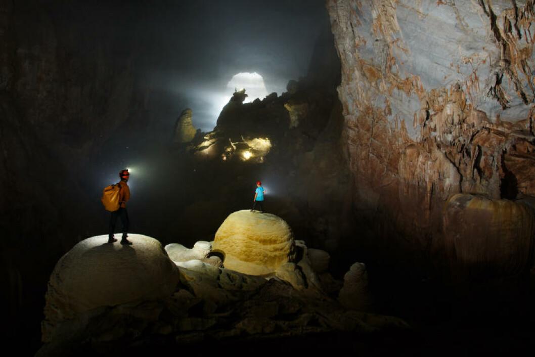 PHONG NHA-KE BANG: I fjor åpnet Vietnam verdens største grotte for turisme. Her får du et skikkelig eventyr. Foto: RYAN DEBOODT / OXALIS