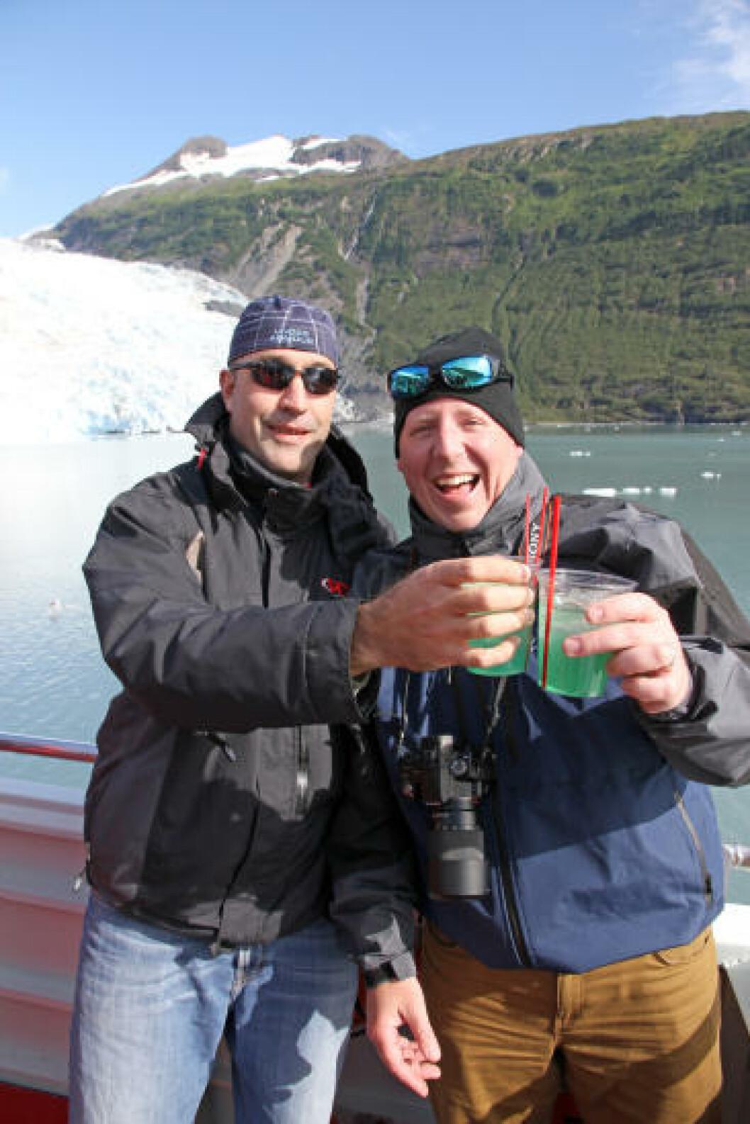 <strong>SKÅL:</strong> Glacier Maragarita, med en bit av isbreen i glasset. Foto: RUNAR LARSEN