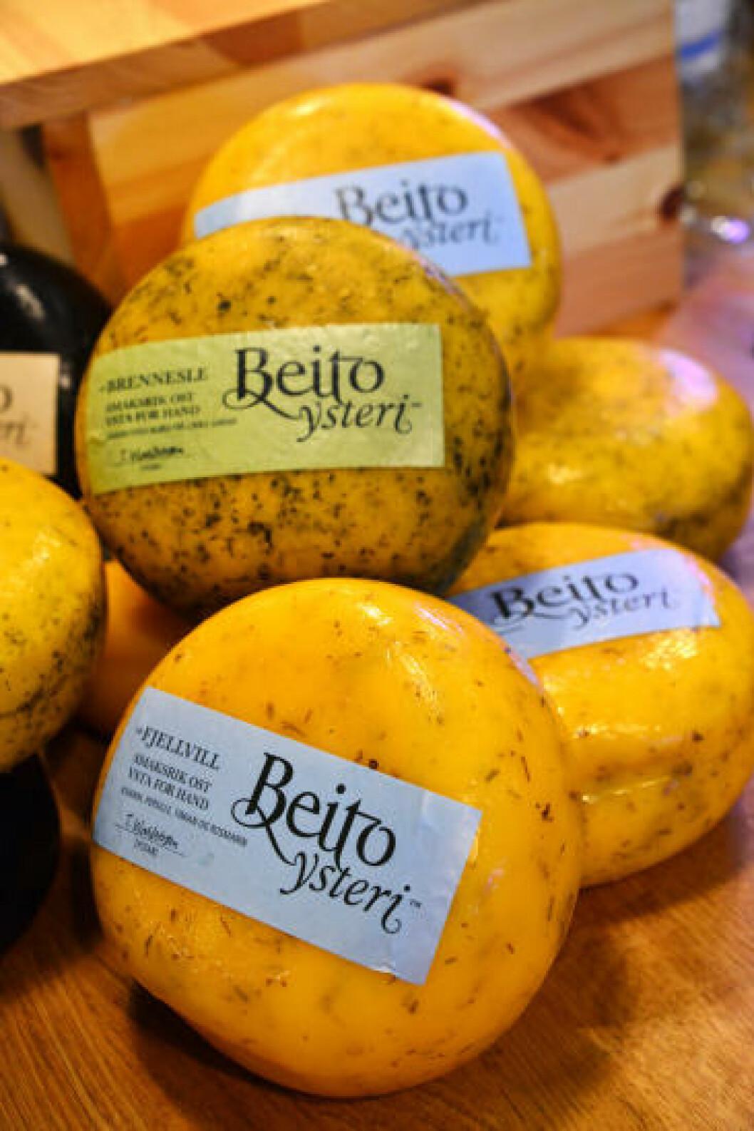 <strong>KJØP I BUTIKK:</strong> Det er bare fire år siden Beito ysteri startet produksjon, men allerede selges ostene i over 100 butikker rundt om i landet. Foto: TORILD MOLAND