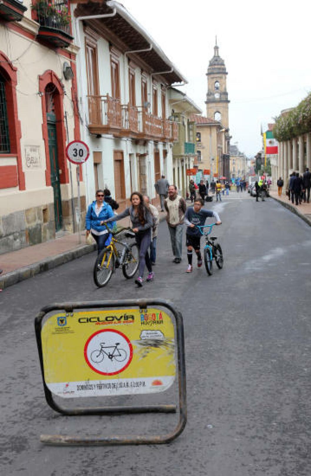 <strong>SYKKELBY:</strong> Bogota er en typisk sykkelby. Hver søndag sperres store deler av byen av, slik at tohjulingene eier gatene. Foto: EIVIND PEDERSEN