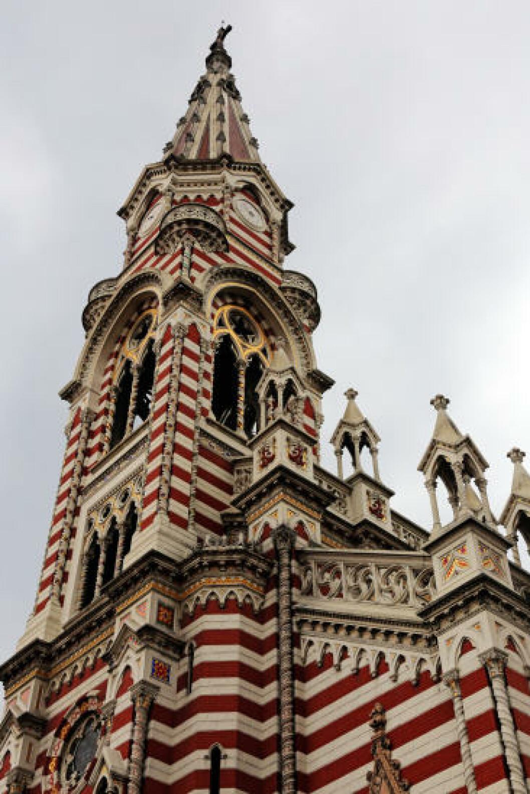 <strong>VERK:</strong> Denne kirken i Bogota sentrum utmerker seg med sine overdådige utsmykning og vakre detaljer. Foto: EIVIND PEDERSEN