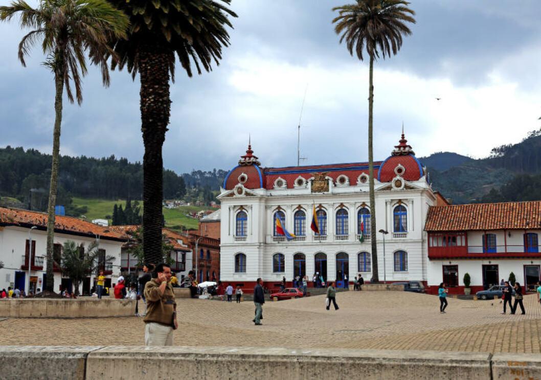 <strong>KOLONIANSK:</strong> Det er ikke vanskelig å finne arkitektoniske spor etter spanjolene som i flere hundre år kolonistyrte Colombia. Foto: EIVIND PEDERSEN