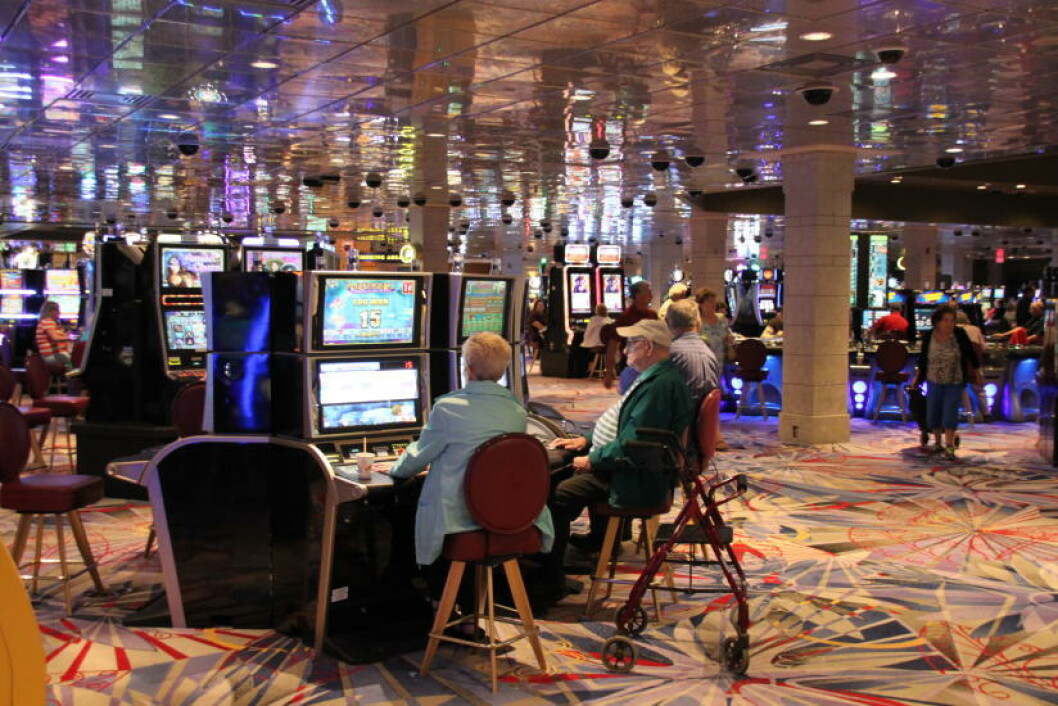 <strong>KASINO:</strong> Enarmede banditter, pokerbord og mange andre pengespill lokker mange til kasinoene i Niagara Falls. Foto: SOLVEIG BÅDSVIK