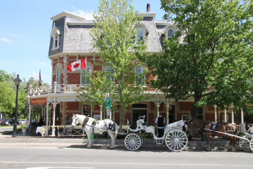 <strong>ROYALT:</strong> Ved hotellet Prince of Wales i Niagara on the Lake, får du kongelig oppvartning til et par tusen kroner pr. natt. Foto: SOLVEIG BÅDSVIK